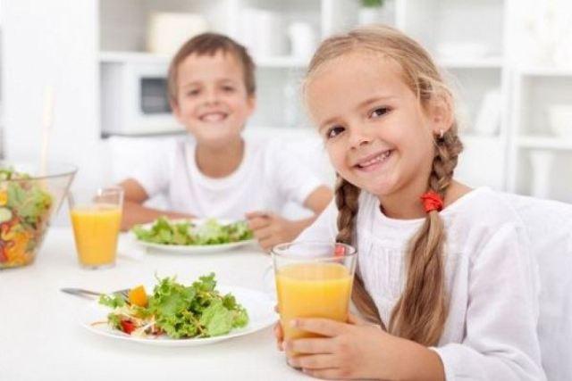 دراسة تحذر من مخاطر عصير البرتقال على الفطور