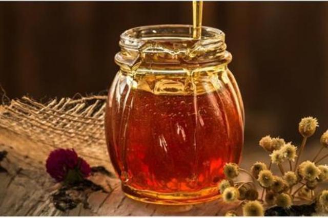 العسل قد يكون مضرّاً رغم فوائده لأنّه يرفع مستوى السّكر في الدم بسرعة