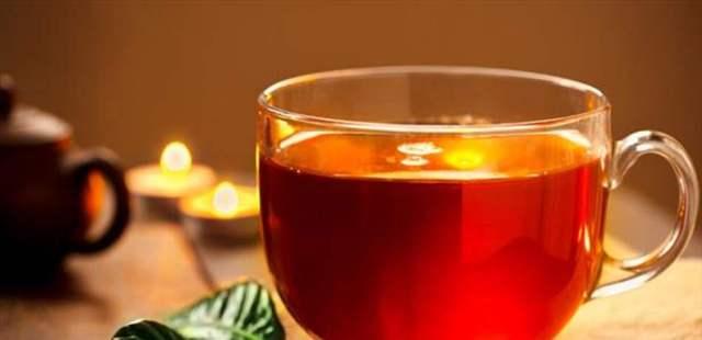 فائدة غير متوقعة للشاي.. كوبٌ واحد منه يومياً يُبعد عنكم هذا المرض