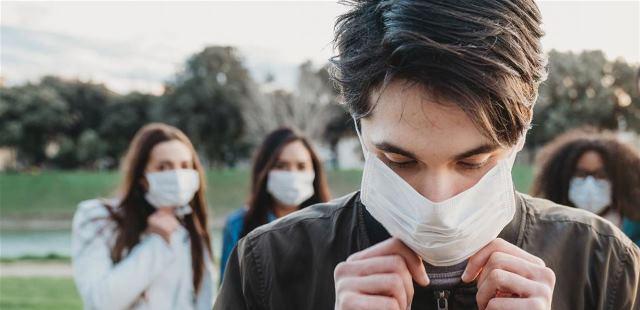 هل العلاقة الحميمة مع مصاب بالفيروس تؤدي الى اصابة الطرف الاخر ؟؟